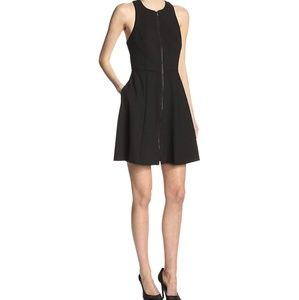 🎉Trina Turk Bishop Front Zip Black Dress🎉